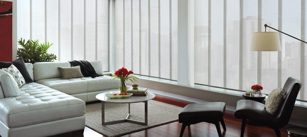 https://www.rbinteriorismo.com/images/blog/cortinas-laminas-verticales-1024x459.jpg